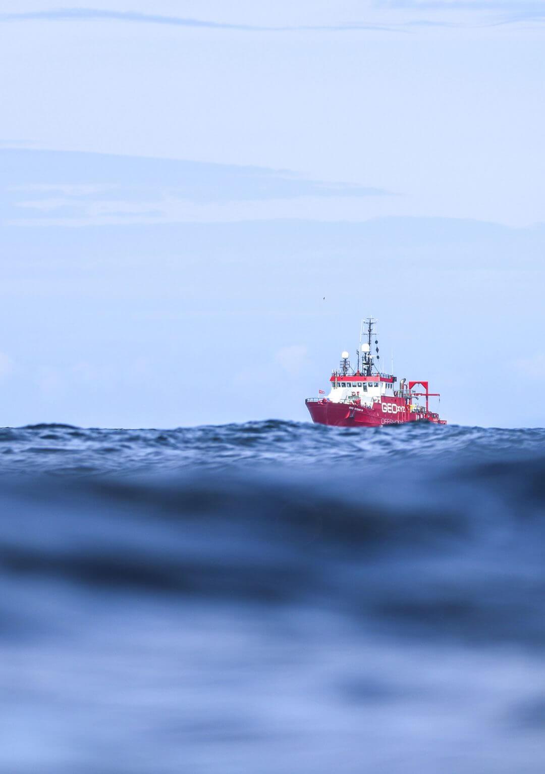 ailes-marines-offshore-bateau-seul-portait
